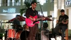 Mark Telesca at  Leftovers