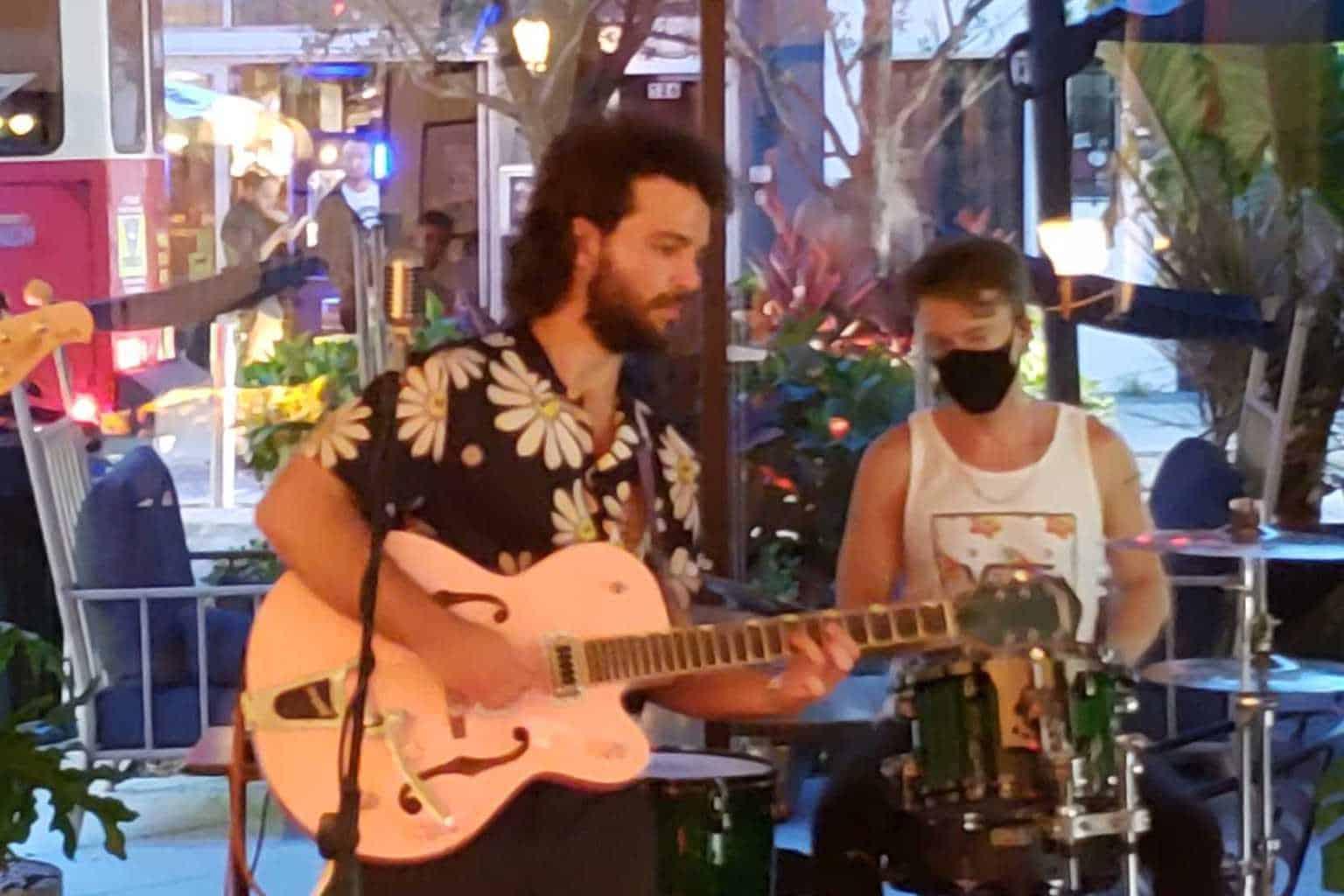 Jakob Takos at Guanabanas